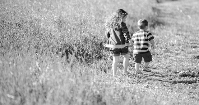 Little Brother, Big Sister - Child Photography in Lincoln